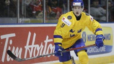 Photo of Nils Lundkvist shines with assist as SHL kicks off season